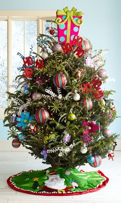 O Christmas tree:  Put up a tree, in four stress-free steps.  - Pier 1