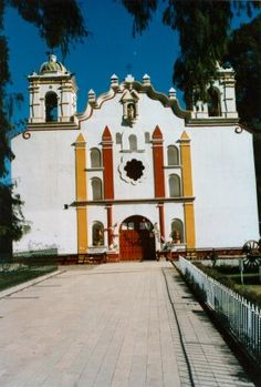 Oaxaca - Church, had Frieda Kahlo exhibit