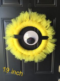 Tuelle minion wreath with Google eye