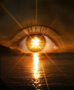 NASA Confirms -Super Human Abilities Gained Sun Gazing - storing sun's energy into your body Santa Sara, Images Gif, Bing Images, Look Into My Eyes, Eye Art, Third Eye, Beautiful Eyes, Amazing Eyes, Belle Photo