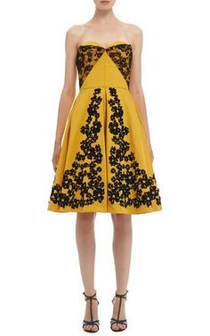 Sweetheart Lace and Floral Embroidered Dress by Oscar de la Renta for Preorder on Moda Operandi