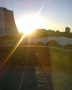 Praça dos Açorianos em Porto Alegre, RS #portoalegre #sol #céu #sun #paisagem #sky