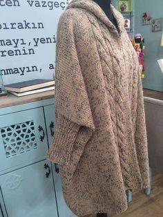 Kapşonlu Hırka Yapılışı 8 Lace Knitting Patterns, Knitting Designs, Diy Crochet, Crochet Hats, Moda Emo, Sweater Hat, Knitting For Beginners, Knit Fashion, Womens Scarves