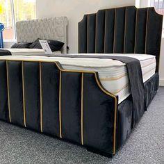 Luxury Bedroom Design, Master Bedroom Interior, Bedroom Bed Design, Bedroom Furniture Design, Bed Headboard Design, Headboards For Beds, Living Room Sofa Design, Home Room Design, Cama Design