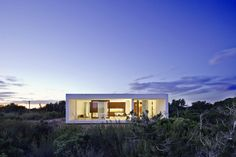 I WANT TO VACATION THERE! Home-Office in Formentera Island / Marià Castelló Martínez