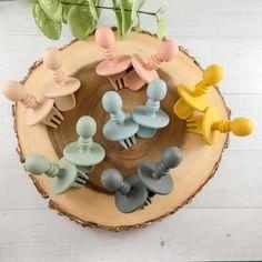 Top 20 Cute Handmade Baby Shower Gifts | Emmaline Baby Baby Shower Presents, Baby Shower Gifts, Wooden Rainbow, Handmade Baby Gifts, Best Baby Gifts, Baby Blog, Newborn Baby Gifts, Baby Girl Headbands, Toddler Gifts