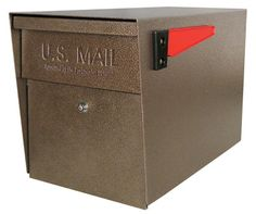 Mail Boss Curbside W x H Metal Bronze Post Mount Lockable Mailbox at Lowe's. The Mail Boss security mailbox is not your average locking curbside mailbox. Brick Mailbox, Large Mailbox, Modern Mailbox, Mailbox Post, Mailbox Ideas, Lockable Mailbox, Mail Boss, Residential Mailboxes, Trendy Tree