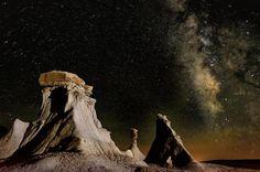 Desierto de Nuevo México. Si decide pasar la noche, es posible que sea lo suficiente afortunado de ver los brazos de la galaxia de la Vía Láctea