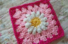 tillie tulip - a handmade mishmosh: Daisies on pink