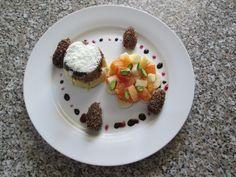 1  Dessert  avec   tarte de   chocolate  fruits   frais  et  dates   truffe  farci de  creme patissiere Gino D'Aquino