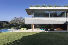 El Pabellón / Jorge Hrdina Architects