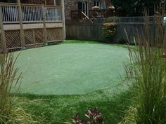 Backyard putting green installed by Krevitz Golf Turf Solutions, Wilmette