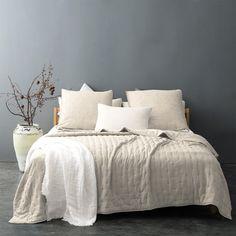 Couvre lit matelassé et moelleux (Ecru) Decoration, Comforters, Blanket, Interior Design, Bedroom, Ideas, Rose Vert, Inspiration, Furniture