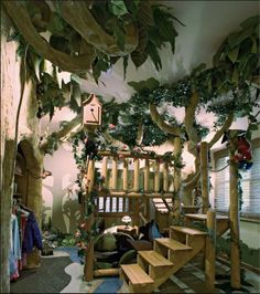 Really creative jungle bedroom! my dream to build this! if only I had the money