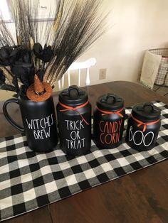 Halloween Kitchen, Halloween Home Decor, Halloween House, Fall Home Decor, Autumn Home, Holidays Halloween, Unique Home Decor, Halloween Crafts, Happy Halloween