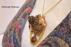 Steampunk Face Pendant Gears Key and Spinner move, Bottle cap necklace | SotocapMania - Jewelry on ArtFire