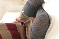 Bas jarretière - chaussettes de laine tricoté - mieux que la jambe de jambières - extra-longue - 130cm - écolière gris-vintage pattern mélange laine et acrylique par footfetishsocks sur Etsy https://www.etsy.com/fr/listing/478284605/bas-jarretiere-chaussettes-de-laine
