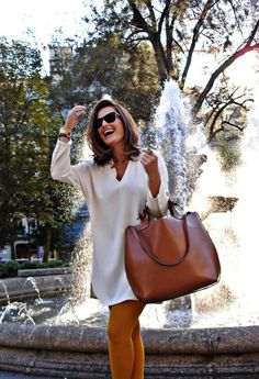 Fall Handbag Trends to Look Forward to – Glam Radar - Trend Mode Für Frauen 2019 Looks Chic, Looks Style, Look Fashion, Fashion Women, Fashion Trends, Fashion Bags, Street Fashion, Latest Fashion, Fashion Ideas