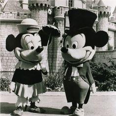 Mickey Mouse, Disney Mickey, Disney Parks, Disney Pixar, Disney Characters, Disney Horror, Old Disney, Disney Love, Disney Magic