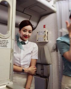 😭😭빵꺼내다 오븐렉이 슉~나와서 화상입은곳 또 #화상 입구. . 번택붙이고 😭우헹헹. . . #힘내라 #비행여행자 #🔥 #화상입은곳또화상 #바보인가 #나는 #😭 Korean Short Hair, Korean Girl, Korean Airlines, Brisbane, Melbourne, Thai Airways, Las Vegas Trip, Military Women, Cabin Crew