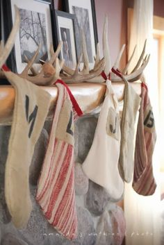 The Best DIY Christmas Stocking Hangers and Display Ideas – Cheap and Easy Handmade Holiday Decorations! Cabin Christmas, Country Christmas, Winter Christmas, Christmas Crafts, Christmas Decorations, Xmas, Antler Decorations, Christmas Island, Christmas Mantles