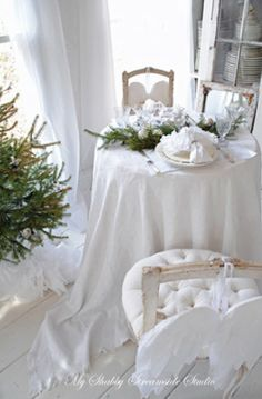 Beautiful Shabby Christmas Decor
