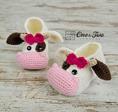 Baby Knitting Patterns Boy Doris the Cow Booties – Child Sizes – Crochet Pattern Crochet Cow, Crochet Amigurumi, Crochet Baby Shoes, Crochet Baby Booties, Crochet Slippers, Knitted Baby, Crochet Dolls, Knitting Patterns Boys, Crochet Patterns