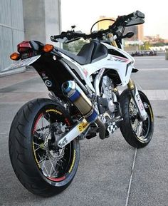 Honda Supermoto, Moto Enduro, Honda Grom, Motorcycle Dirt Bike, Moto Bike, Honda Motorcycles, Custom Motorcycles, Custom Bikes, Motard Bikes