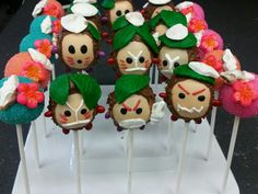 Moana themed Kakamora Cake pops (inspiration  by Bella's Bakery)