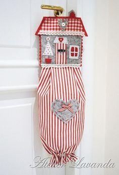 Tutorial casetta di Natale porta-sacchetti