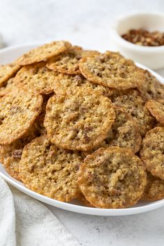 Crispy and chewy Oatmeal Lace Cookies with pecans are buttery, elegant and deliciously addictive. Prepared with simple everyday ingredients, they're always a welcomed treat! Oatmeal Lace Cookies, Oatmeal Dessert, Oatmeal Cookie Recipes, Healthy Dessert Recipes, Delicious Desserts, Healthy Food, Lace Cookies Recipe, Cookies Ingredients, Quick Easy Meals