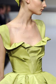 the cinderella project: because every girl deserves a happily ever after: Oscar de la Renta Spring 2011