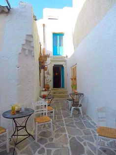 Naxos Town Tourism: 33 Things to Do in Naxos Town, Greece Greece Tourism, Greece Travel, Greece Trip, Greek Cafe, European Cafe, Naxos Greece, Holiday Places, Adventure Is Out There, Greek Islands