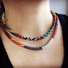 Collar crochet More Crochet Beaded Bracelets, Bead Loom Bracelets, Beaded Choker, Beaded Earrings, Beaded Jewelry, Crochet Necklace, Jewellery, Bead Crochet Patterns, Bracelets