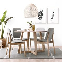 Simple Dining Table, Dining Room Table Centerpieces, Round Dining Table, Dining Room Paint Colors, Dining Room Design, Square Kitchen Tables, Moraira, Small Apartment Decorating, Home Furniture
