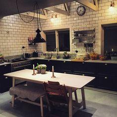 nytt#bord i våran #kök #ikea #björk #design #interior #interiordesign #industrialdesign #bistrokök #design #interiordesign #industrilampa#östlinghschedin #betoncire #ikeakök#cooldesign#frenchstyle #kitchen#cuisine#inspiration