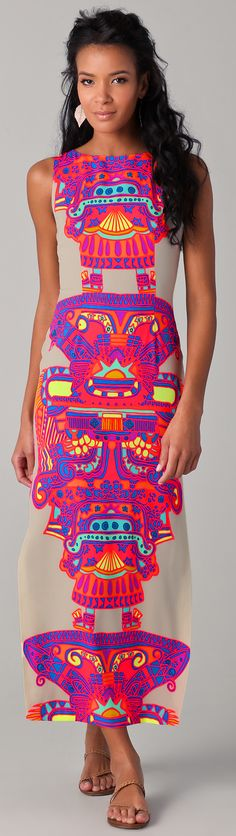 What a gorgeous printed graphic dress!! This stirs the fashionable graphic designer in me.