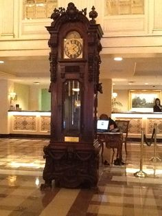 CLOCK~Antique grandfather clock inside the lobby of the Hotel Monteleone. New Orleans, LA Antique Grandfather Clock, Somewhere In Time, Unique Clocks, Old Clocks, Wooden Clock, Vintage Beauty, New Orleans, Keys, Old Things