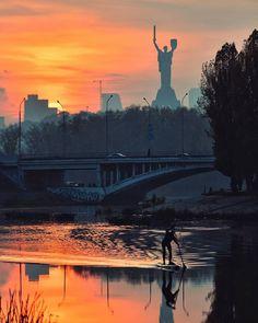 Whatsapp Info, Ecology, New York Skyline, Cathedral, Travel Destinations, Street Art, Castle, Around The Worlds, Europe