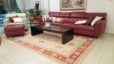 שטיח זיגלר בז מסגרת אדום שטיח ארוג בעבודת יד תוצרת אפגניסטן Carpet, Couch, Furniture, Home Decor, Settee, Decoration Home, Sofa, Room Decor, Home Furnishings