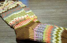 Anelmaiset Fingerless Gloves, Arm Warmers, Socks, Fashion, Fingerless Mitts, Moda, Fingerless Mittens, La Mode, Sock