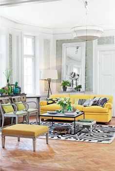 Lovely blend of colors!  I am thinking that yellow will be my primary color in the living room when decorating our new house!