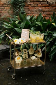 Aqua and gold wedding ideas | Photo by Tasha Rae Photography | 100 Layer Cake