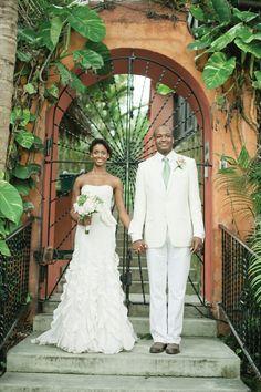 Romantic Ivory and Mint Destination Wedding in Nassau, Bahamas - Munaluchi Bridal Magazine
