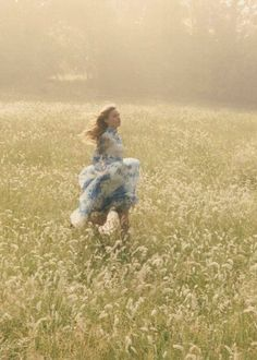 Dream A Little Dream Georgia May Jagger by Venetia Scott for Vogue UK October 2013 Niklas, Georgia May Jagger, Nature Aesthetic, Girl Running, Fairy Tales, Romantic, Photoshoot, Inspiration, Flowers