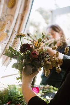 Our florist team created lush table arrangements inspired by Irelands natural beauty, incorporating dried fruits, a rich colour palette and wild Irish botanics for an experiential dining experience at @dromolandcastlehotel. Photography by @white_cat_studio Venue @dromolandcastlehotel Planning and Design @oliviabuckleyinternational #welcomedinner #eventdecor #eventdesign #floraldesign #eventplannerireland #weddingplannerireland #weddingplanner