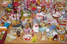 My display (part of my collection). Miss Merry Strawberry and her dog are handmade by myself. Barbie Doll Set, Barbie Food, Mini Stuff, Small Stuff, Pixel Art Food, Mini Craft, Tiny World, Rement, Miniature Crafts