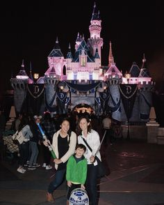 Wishing the happiest of birthdays to @stephanie_f_major - my amazing sister and favorite person to go to @disneyland and watch scary movies with  by s2acy