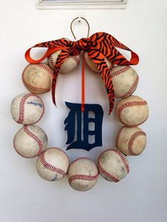 Hey, I found this really awesome Etsy listing at http://www.etsy.com/listing/152141233/detroit-tigers-baseball-wreath