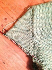 Diy Crafts - Knitionary: options KAL progress and a V-neck tutorial Knitting Paterns, Knitting Stitches, Knit Patterns, Hand Knitting, Stitch Patterns, Diy Crafts Knitting, Diy Crafts Crochet, Knitting Short Rows, Ard Buffet